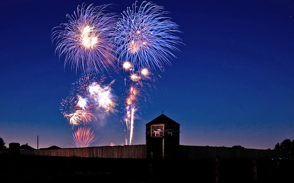 fireworks-at-fort-vancouver-2017-bob-holcomb-web